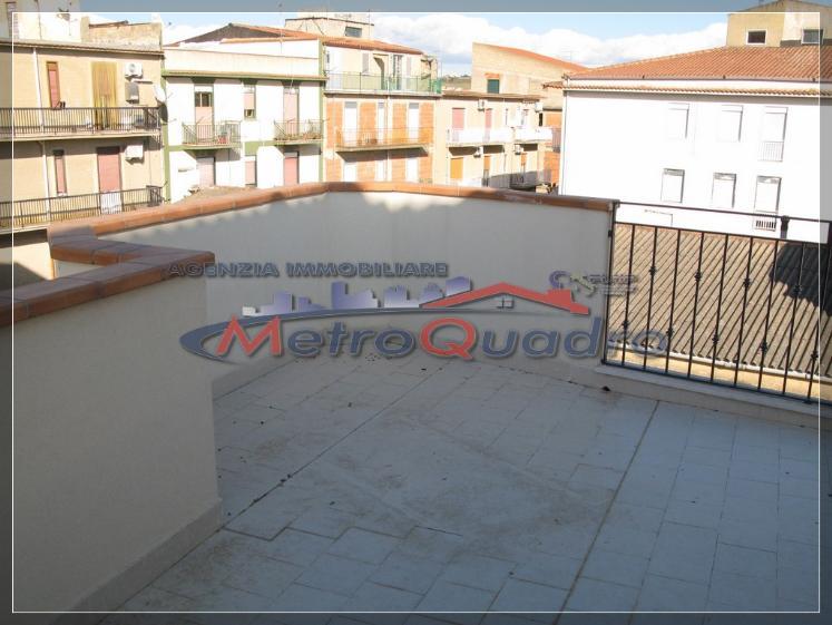 Attico / Mansarda in vendita a Canicattì, 5 locali, zona Località: C 1 ZONA SCUOLA ACQUA NUOVA, Trattative riservate | Cambio Casa.it