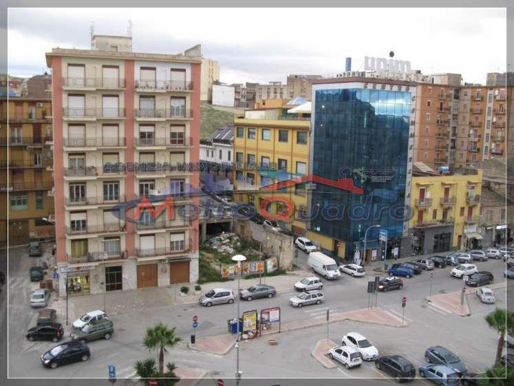 Appartamento in affitto a Canicattì, 4 locali, zona Località: C 4 ZONA POSTA CENTRALE, prezzo € 300 | Cambio Casa.it