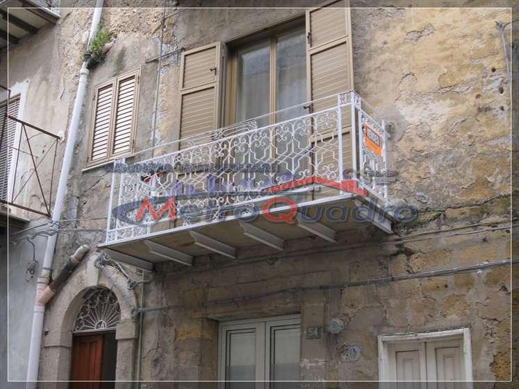 Soluzione Indipendente in vendita a Canicattì, 1 locali, zona Località: C 4 ZONA POSTA CENTRALE, prezzo € 50.000 | Cambio Casa.it