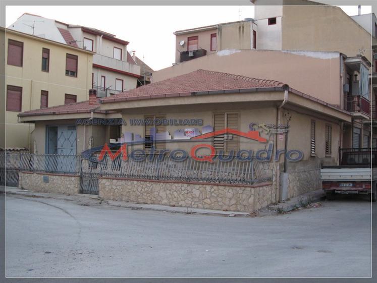 Soluzione Indipendente in vendita a Canicattì, 7 locali, zona Località: A 6 ZONA ZONA USCITA CALTANISSETTA, prezzo € 165.000 | Cambio Casa.it