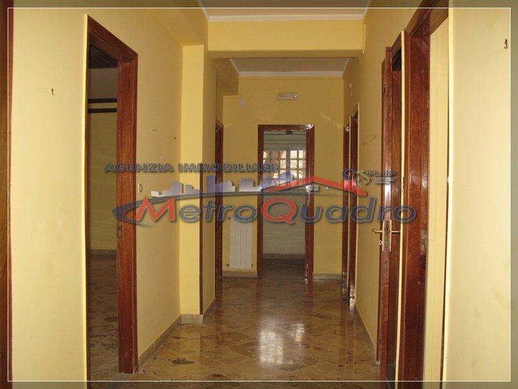 Appartamento in affitto a Canicattì, 5 locali, zona Località: C 4 ZONA POSTA CENTRALE, prezzo € 330 | Cambio Casa.it