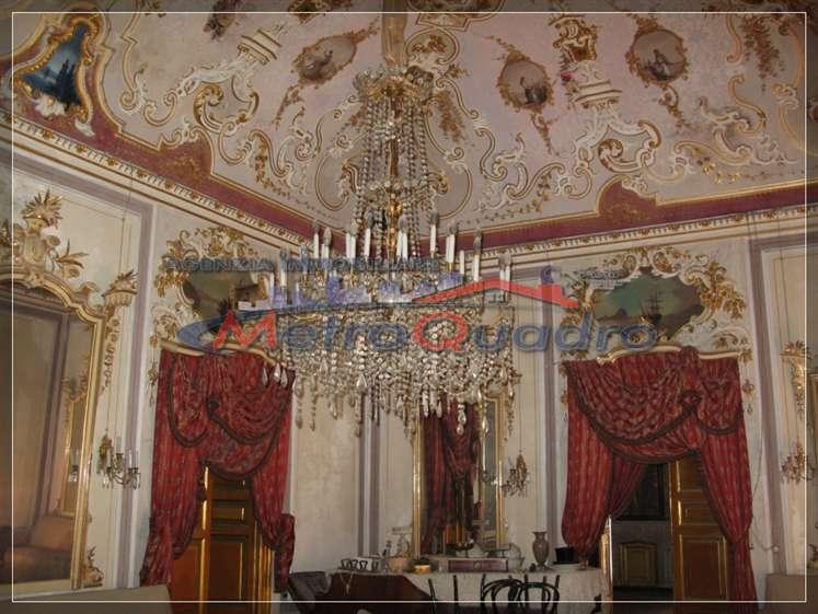 Palazzo / Stabile in vendita a Canicattì, 15 locali, zona Località: B4 ZONA BADIA E BORGALINO, prezzo € 350.000 | Cambio Casa.it