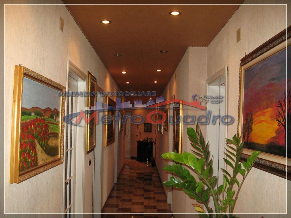 Appartamento in affitto a Canicattì, 5 locali, zona Località: D 5 ZONA LATERIZI, prezzo € 350 | Cambio Casa.it