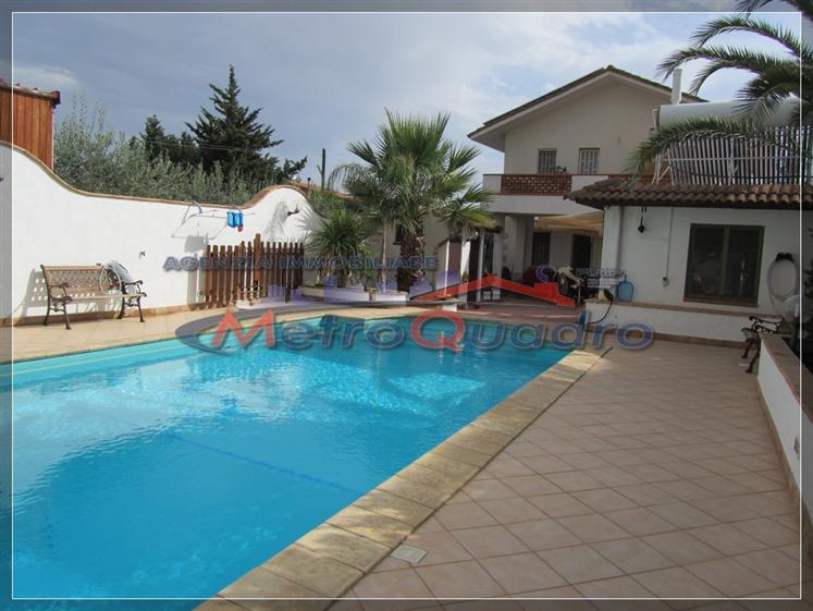 Villa in vendita a Canicattì, 5 locali, zona Località: ZONA C.DA RINAZZI, prezzo € 250.000 | Cambio Casa.it