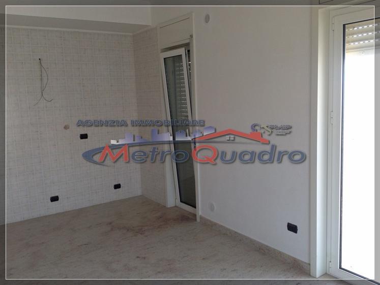 Appartamento in affitto a Canicattì, 5 locali, zona Località: C 1 ZONA SCUOLA ACQUA NUOVA, prezzo € 350 | Cambio Casa.it