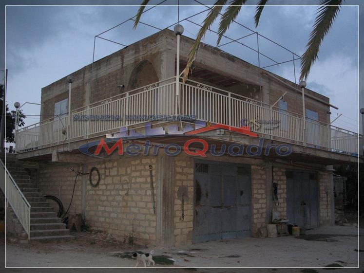 Villa in vendita a Canicattì, 5 locali, zona Località: D 6 ZONA USCITA DELIA, prezzo € 150.000 | Cambio Casa.it