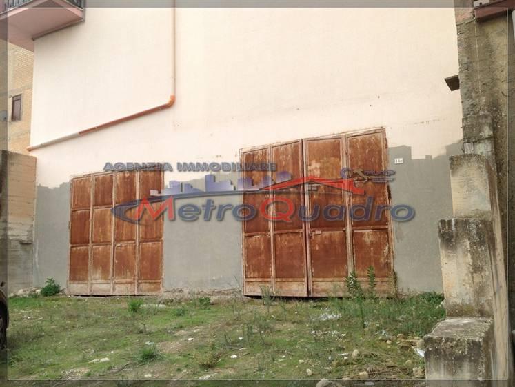 Magazzino in vendita a Canicattì, 9999 locali, zona Località: D 6 ZONA USCITA DELIA, prezzo € 140.000 | CambioCasa.it