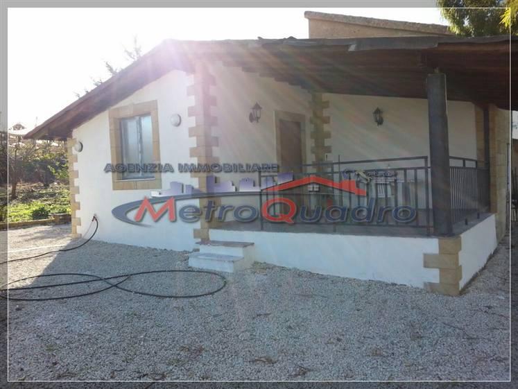 Villa in vendita a Canicattì, 3 locali, zona Località: D 6 ZONA USCITA DELIA, prezzo € 40.000 | Cambio Casa.it