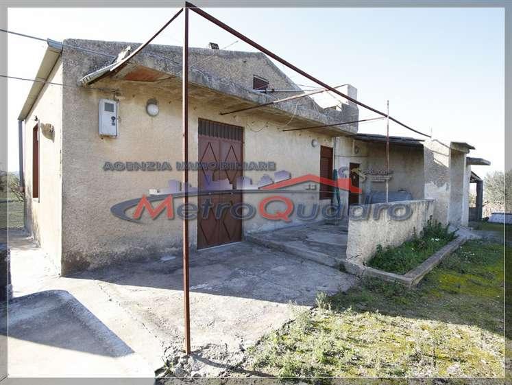 Villa in vendita a Canicattì, 3 locali, zona Località: A 6 ZONA ZONA USCITA CALTANISSETTA, prezzo € 60.000 | CambioCasa.it