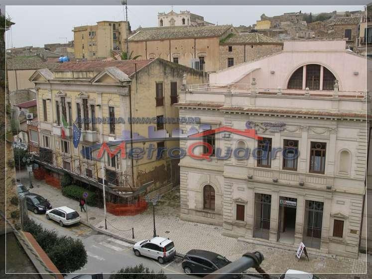 Soluzione Indipendente in vendita a Canicattì, 4 locali, zona Località: B 5 ZONA ODEON E VIA NAZIONALE, prezzo € 50.000 | Cambio Casa.it