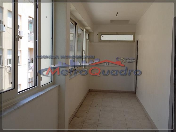 Ufficio / Studio in affitto a Canicattì, 3 locali, zona Località: C 3 ZONA VILLA COMUNALE, prezzo € 350 | Cambio Casa.it
