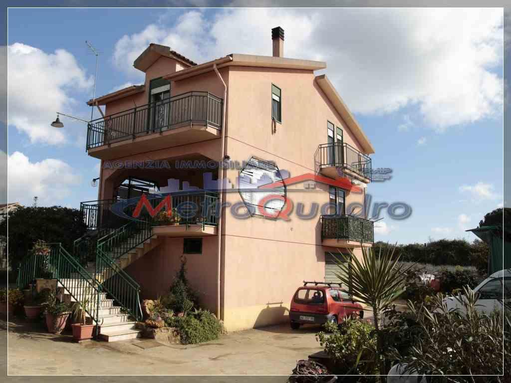 Villa in vendita a Canicattì, 6 locali, zona Località: ZONA C.DA RINAZZI, prezzo € 180.000   Cambio Casa.it