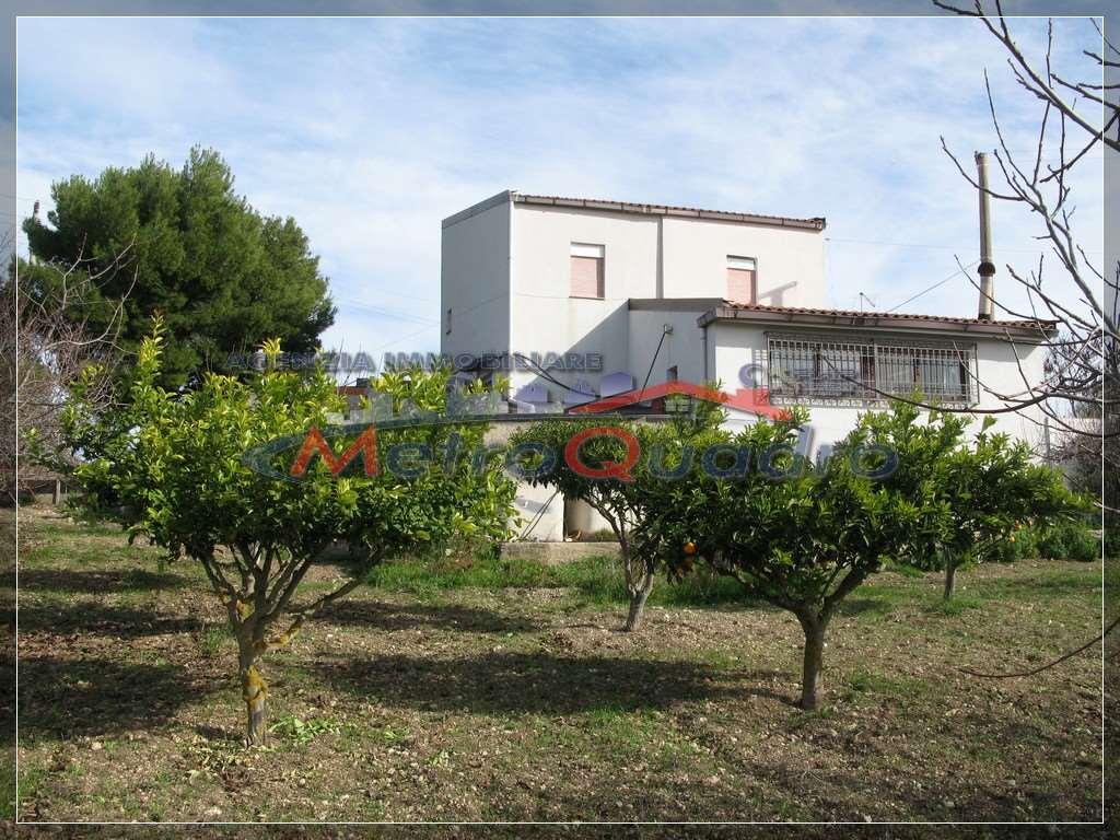 Villa in vendita a Canicattì, 4 locali, zona Località: C.DA MONTAGNA - S. MARTA, prezzo € 130.000 | CambioCasa.it