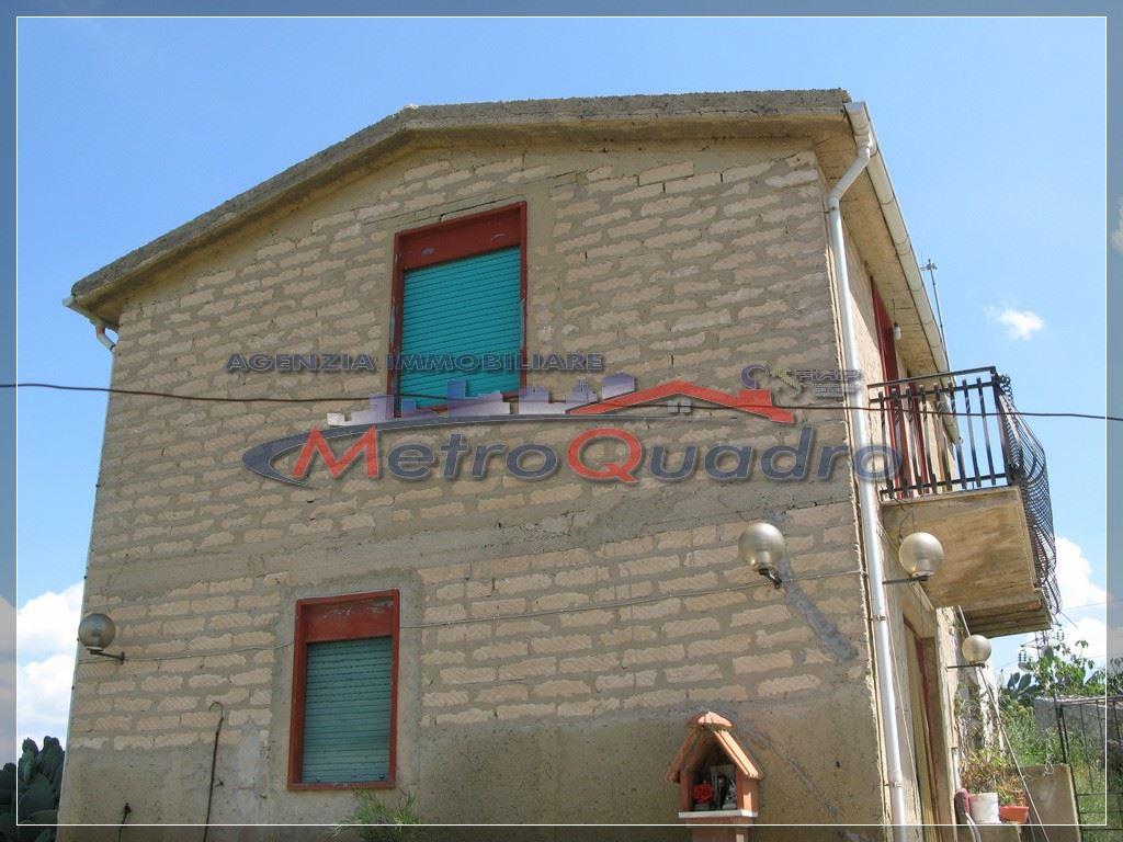 Villa in vendita a Canicattì, 3 locali, prezzo € 68.000 | CambioCasa.it