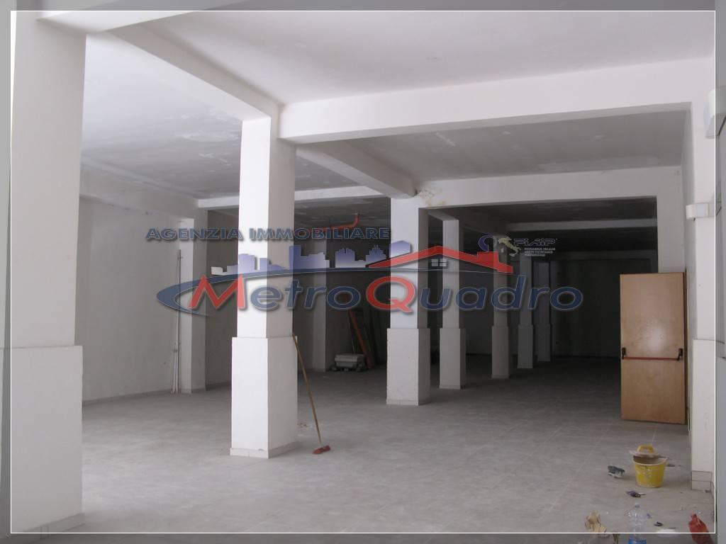 Immobile Commerciale in affitto a Canicattì, 9999 locali, zona Località: C 3 ZONA VILLA COMUNALE, prezzo € 2.500 | CambioCasa.it