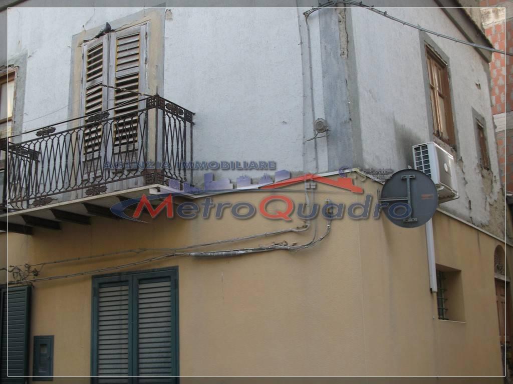 Soluzione Indipendente in vendita a Delia, 6 locali, prezzo € 35.000 | Cambio Casa.it