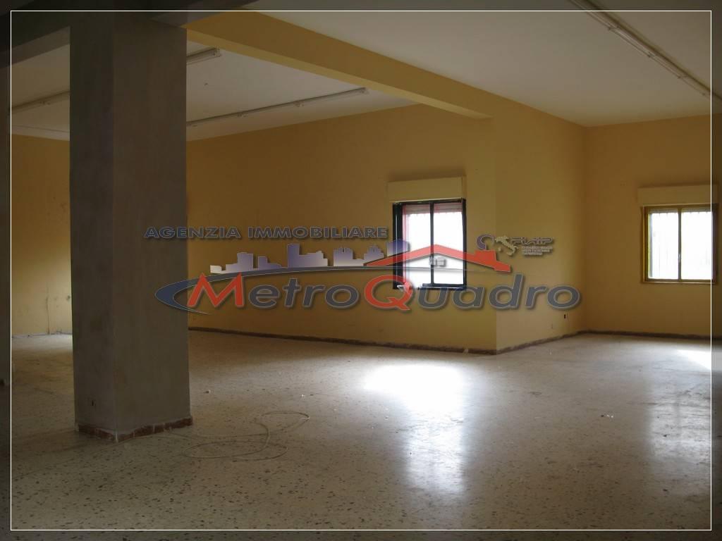 Magazzino in vendita a Canicattì, 9999 locali, zona Località: C 4 ZONA POSTA CENTRALE, prezzo € 110.000 | Cambio Casa.it