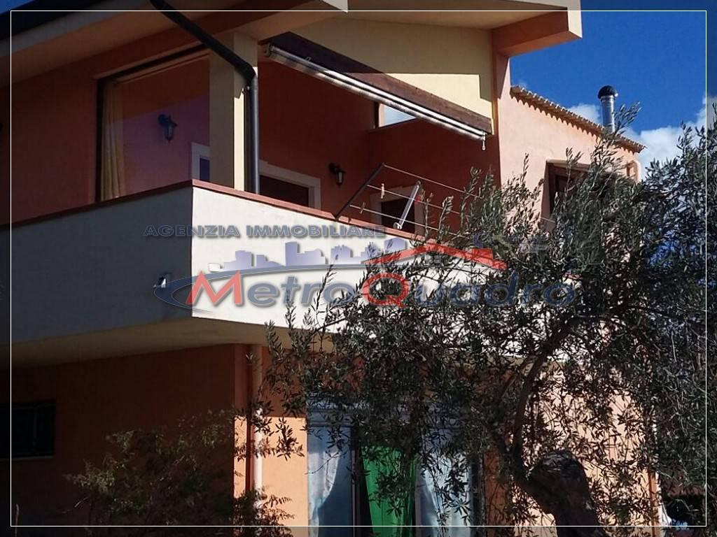Villa in vendita a San Cataldo, 10 locali, prezzo € 190.000 | Cambio Casa.it