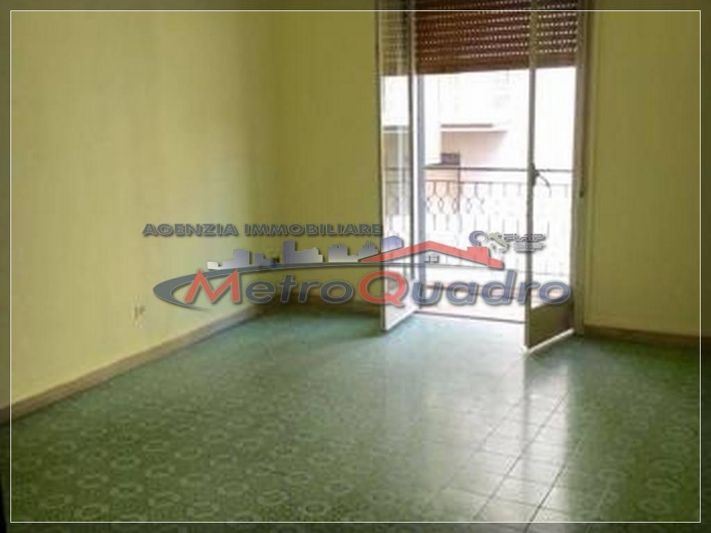Appartamento in affitto a Canicattì, 3 locali, zona Località: C 3 ZONA VILLA COMUNALE, prezzo € 280 | Cambio Casa.it