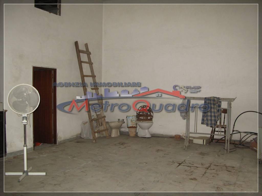 Magazzino in affitto a Canicattì, 9999 locali, prezzo € 120 | Cambio Casa.it