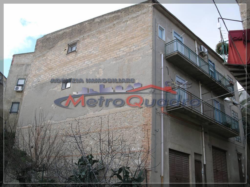 Soluzione Indipendente in vendita a Canicattì, 2 locali, zona Località: B 5 ZONA ODEON E VIA NAZIONALE, prezzo € 65.000 | CambioCasa.it