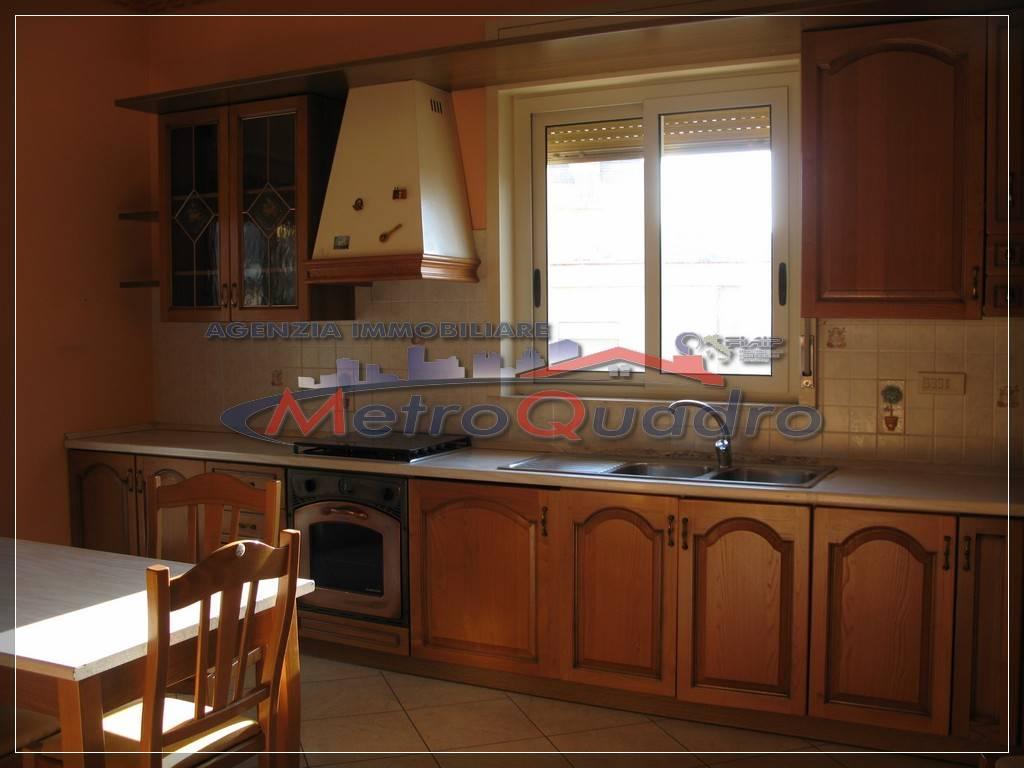 Appartamento in vendita a Canicattì, 3 locali, zona Località: B 6 ZONA FARO E CHIESA SAN CALOGERO, prezzo € 120.000 | CambioCasa.it