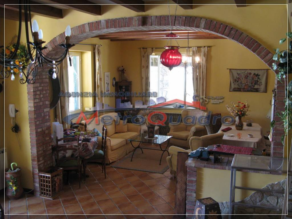Villa-Villetta  in Affitto a Canicatti'