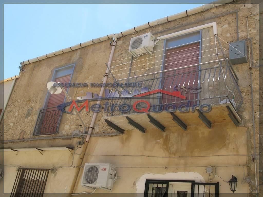 Soluzione Indipendente in vendita a Canicattì, 3 locali, zona Località: B4 ZONA BADIA E BORGALINO, prezzo € 38.000 | CambioCasa.it