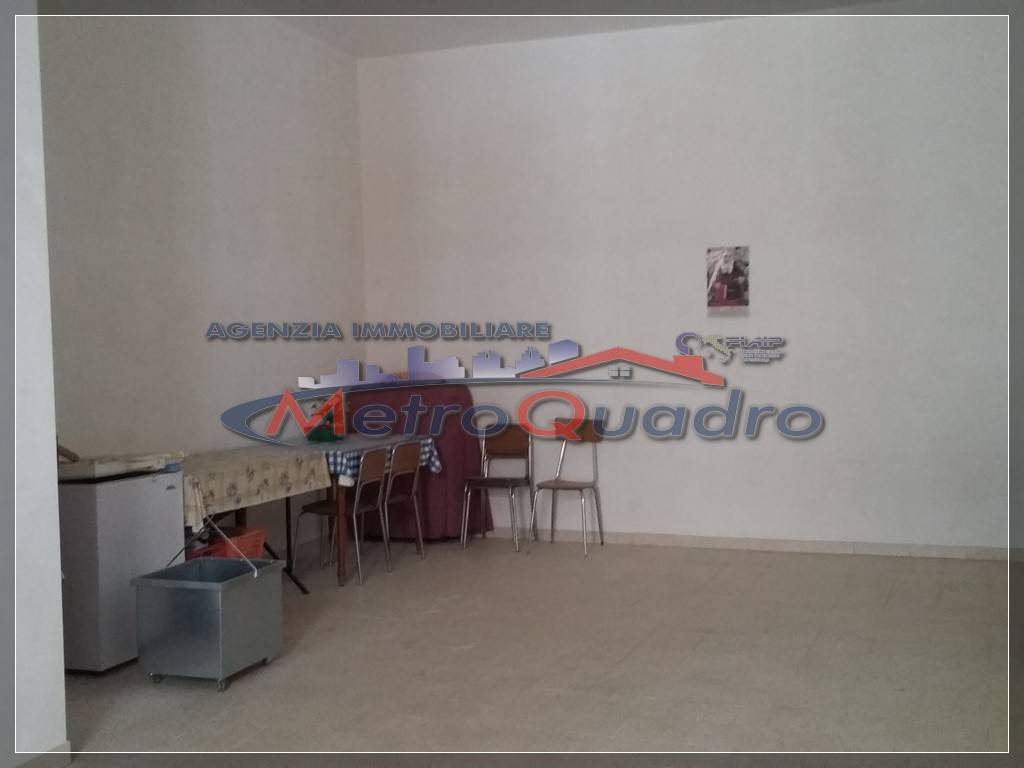 Magazzino in affitto a Canicattì, 9999 locali, zona Località: C 3 ZONA VILLA COMUNALE, prezzo € 120   CambioCasa.it