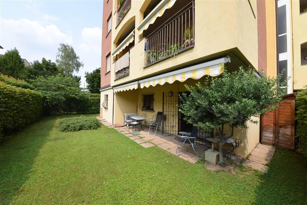 Appartamento a NOVA MILANESE 3 Vani - Giardino
