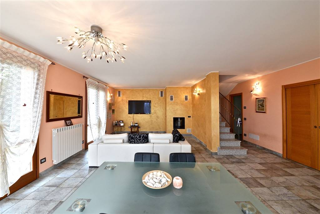 Villa a schiera a MISSAGLIA 4 Vani - Giardino
