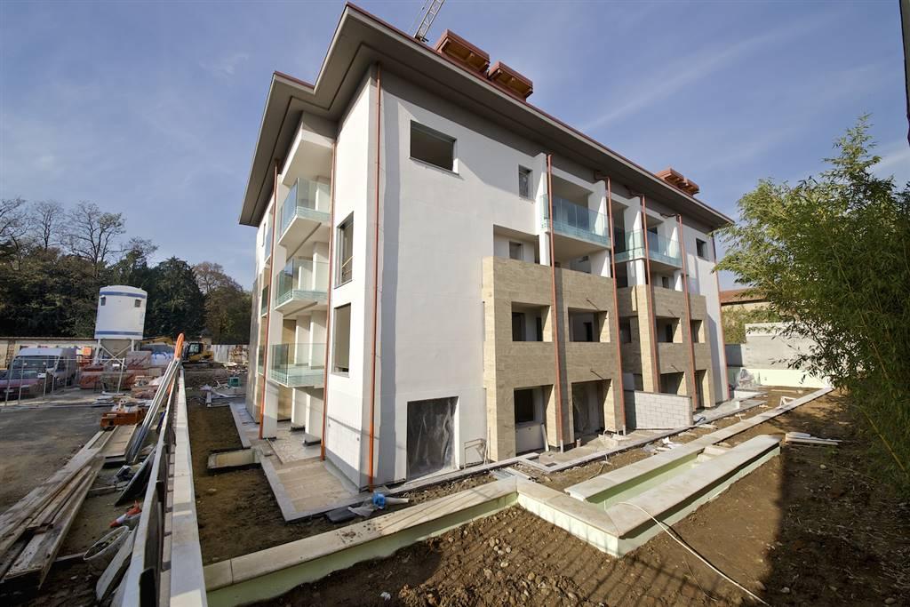 Appartamento a VILLASANTA 4 Vani - Garage