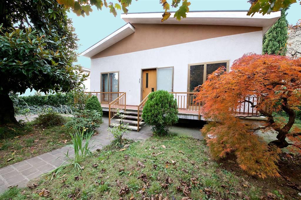Villa a MONZA 4 Vani - Garage - Giardino