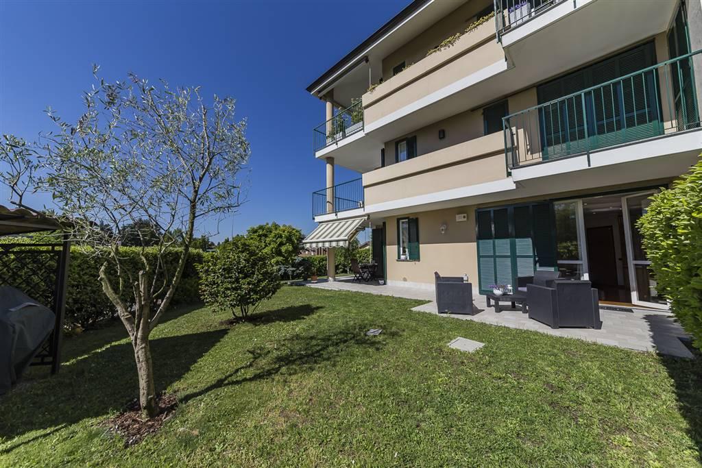 Appartamento a BESANA IN BRIANZA 130 Mq | 4 Vani | Giardino 180 Mq