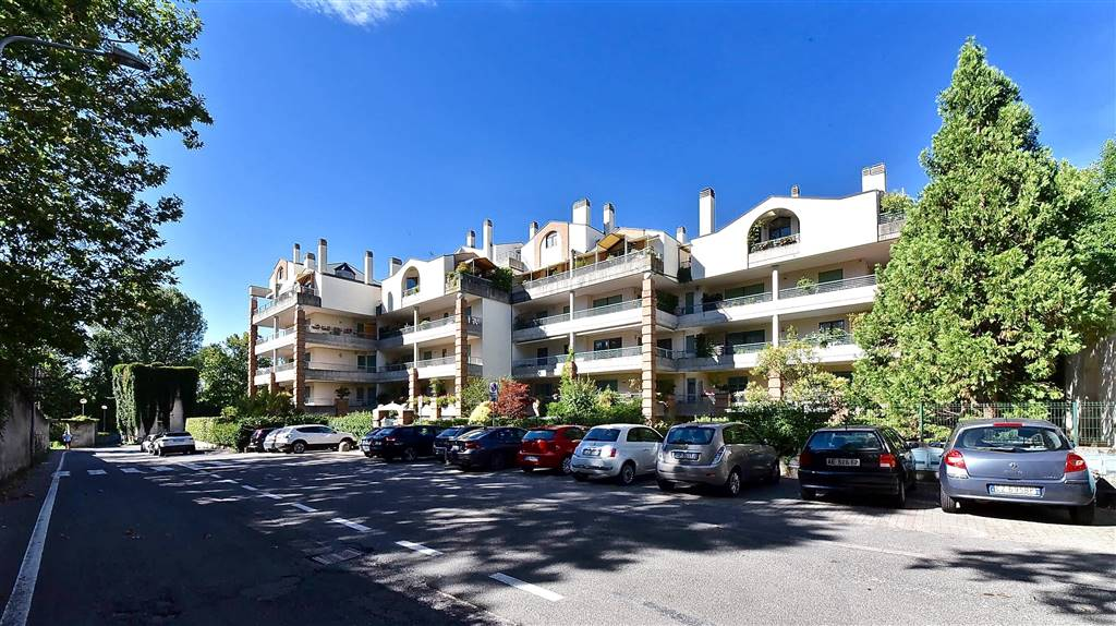 Appartement au VILLASANTA 115 Mq | 3 Locals - Garage | Jardin 35 Mq