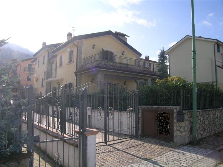 Appartamento in vendita a Alfedena, 3 locali, Trattative riservate | Cambio Casa.it
