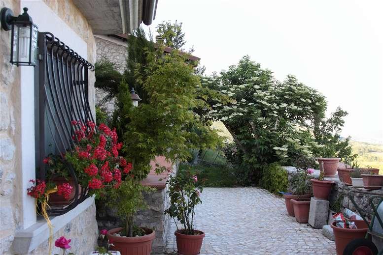 Soluzione Indipendente in vendita a Scontrone, 5 locali, Trattative riservate | Cambio Casa.it