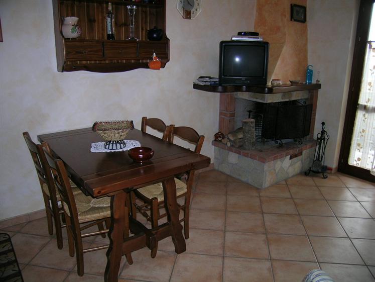 Appartamento in vendita a Castel di Sangro, 4 locali, zona Località: PANORAMICA, Trattative riservate | Cambio Casa.it