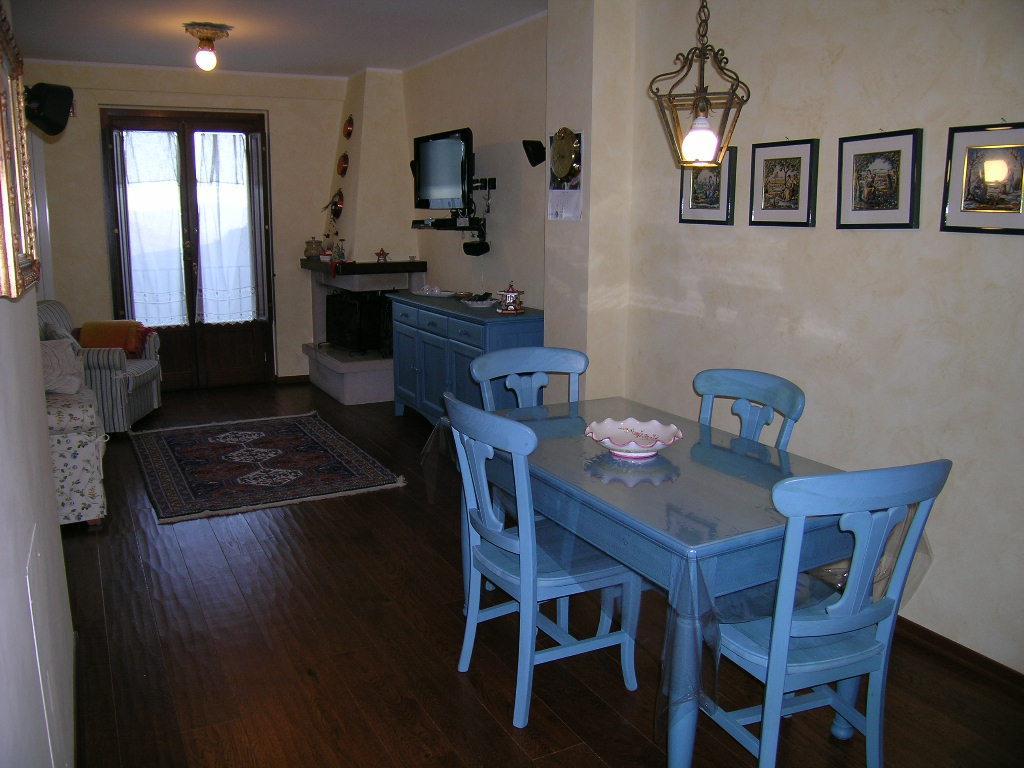 Appartamento in vendita a Castel di Sangro, 3 locali, zona Zona: Roccacinquemiglia, prezzo € 115.000 | CambioCasa.it