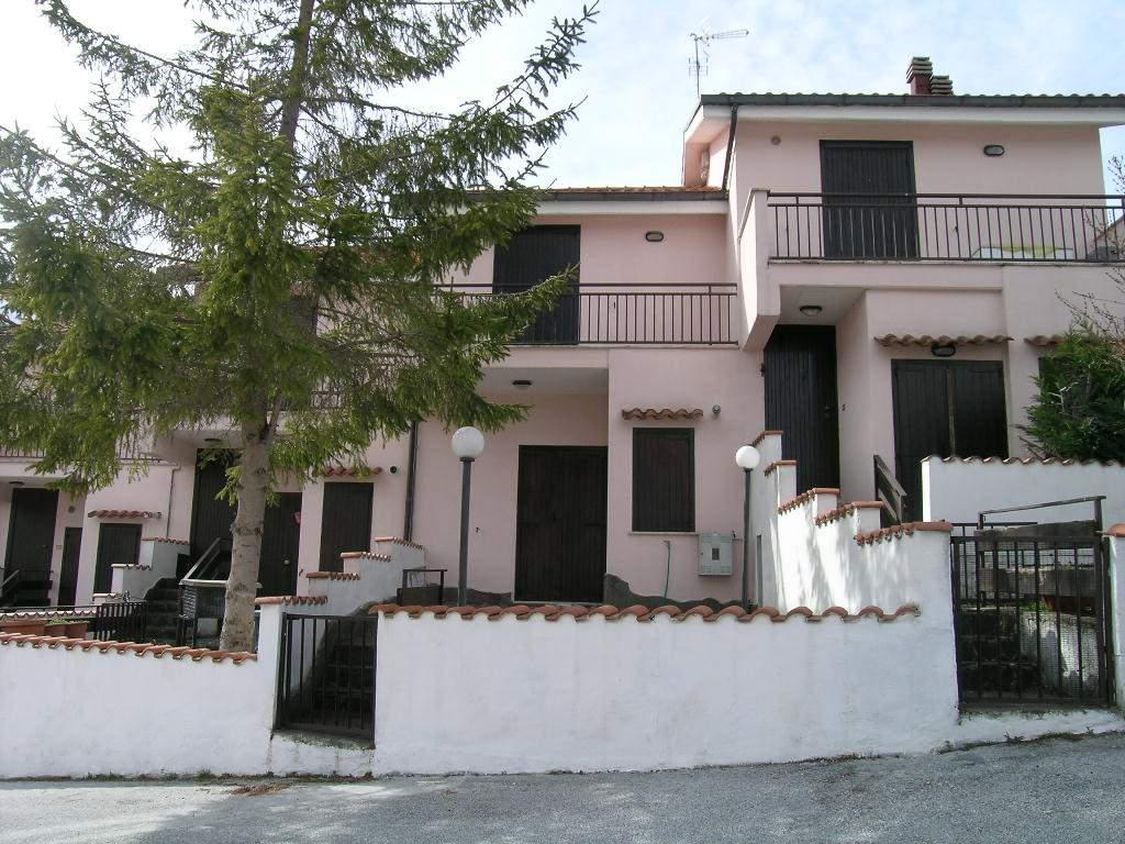 Villa a schiera in Via Fonte Vaniero, Castel Di Sangro