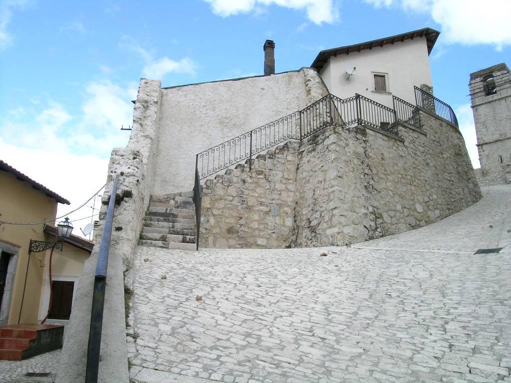 Casa singola, Roccacinquemiglia, Castel Di Sangro, da ristrutturare