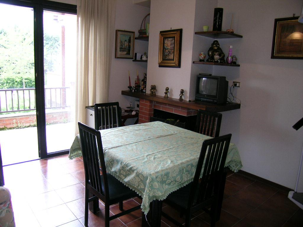 Appartamento in vendita a Castel di Sangro, 3 locali, zona Località: SEMICENTRO, prezzo € 100.000 | Cambio Casa.it