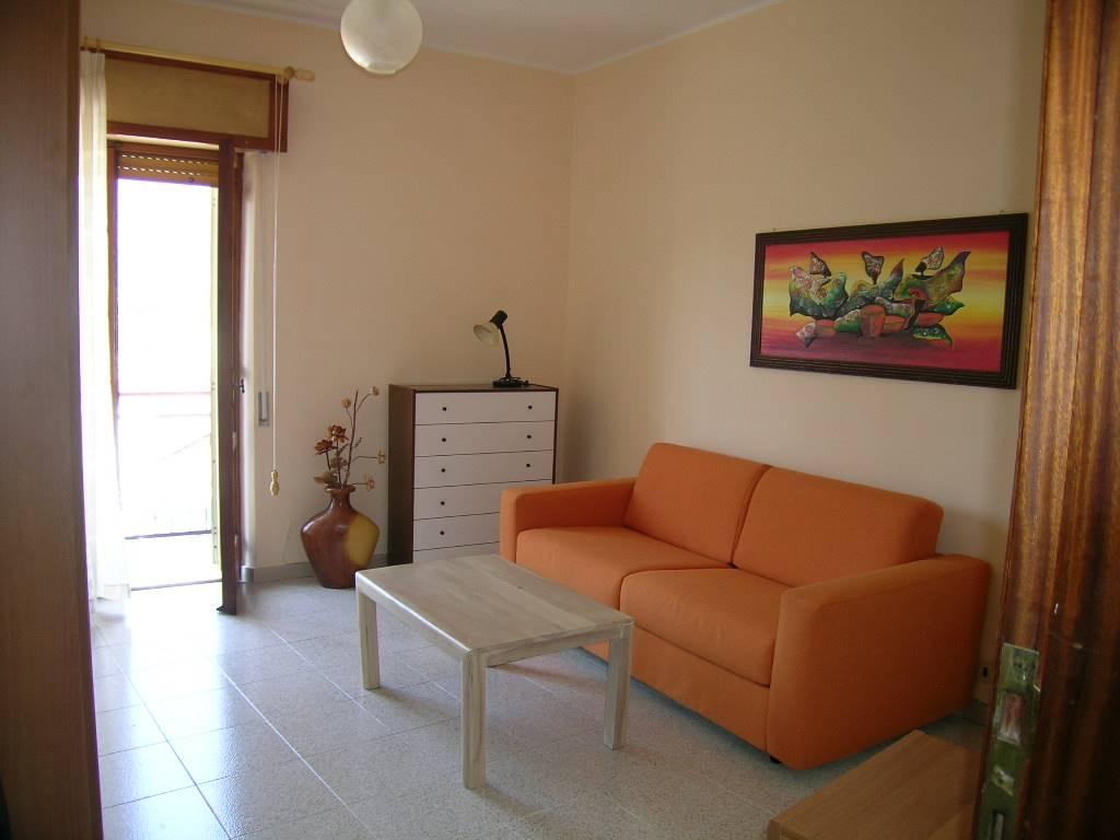 Appartamento in vendita a Castel di Sangro, 4 locali, zona Località: CENTRO STORICO, prezzo € 70.000 | CambioCasa.it