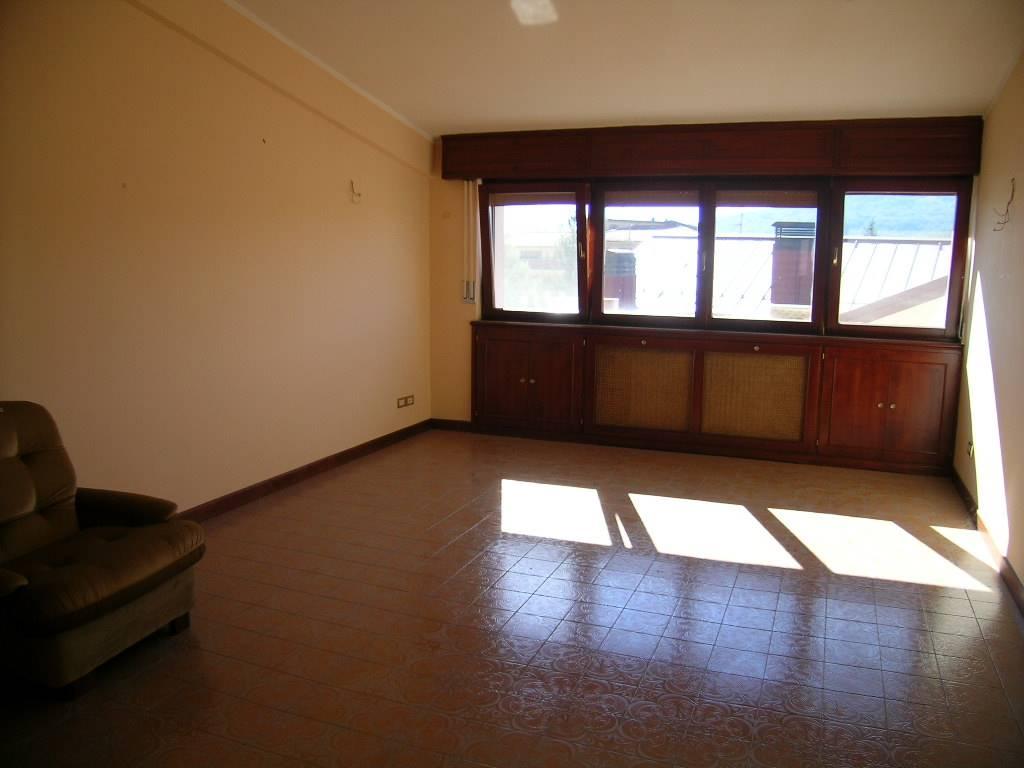 Attico / Mansarda in vendita a Castel di Sangro, 5 locali, zona Località: CENTRO, prezzo € 220.000 | Cambio Casa.it