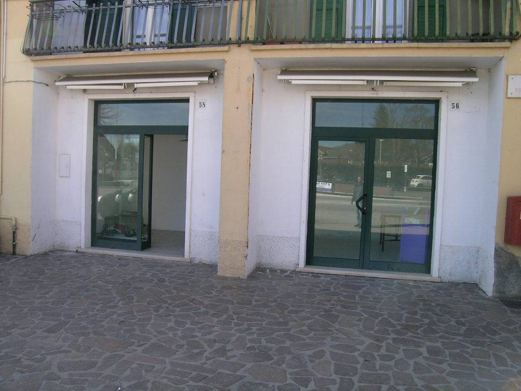 Negozio / Locale in affitto a Castel di Sangro, 2 locali, zona Località: CENTRO, Trattative riservate | Cambio Casa.it