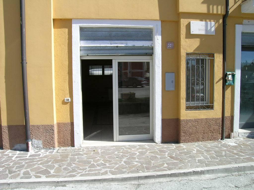 Negozio / Locale in vendita a Castel di Sangro, 1 locali, zona Località: SEMICENTRO, prezzo € 80.000 | Cambio Casa.it