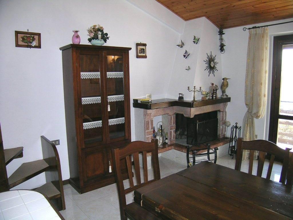 Appartamento in vendita a Castel di Sangro, 3 locali, zona Località: PANORAMICA, Trattative riservate | Cambio Casa.it