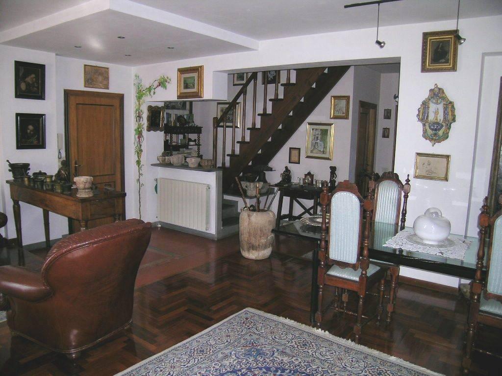 Appartamento in vendita a Castel di Sangro, 6 locali, prezzo € 220.000 | CambioCasa.it
