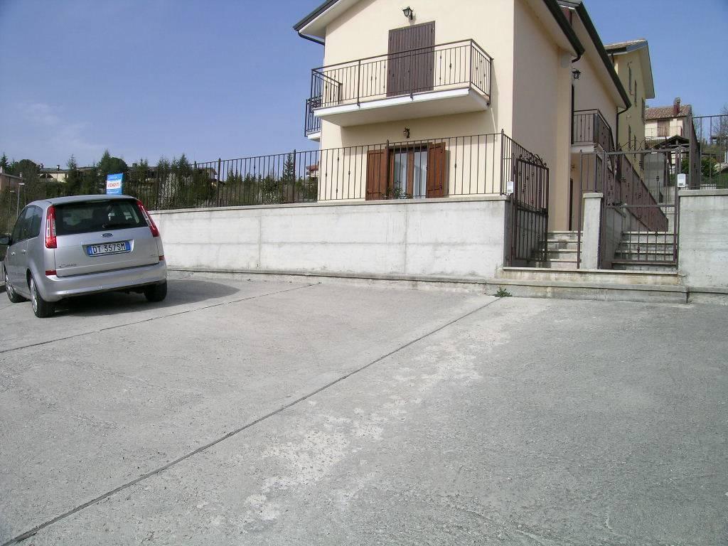 Appartamento in vendita a Castel di Sangro, 3 locali, zona Località: COLLE, prezzo € 130.000 | CambioCasa.it