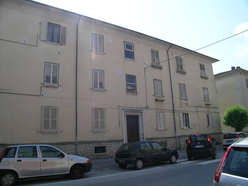 Appartamento in vendita a Castel di Sangro, 3 locali, zona Località: SEMICENTRO, prezzo € 70.000 | CambioCasa.it